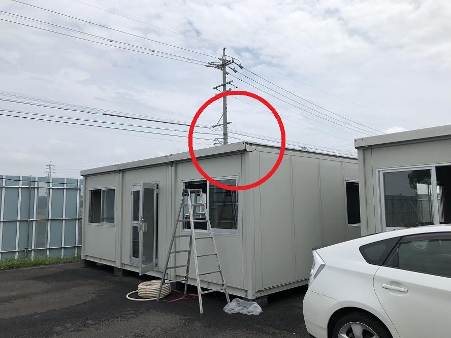 愛知県弥富市の屋外資材置き場にて外灯用投光器の取付電気工事