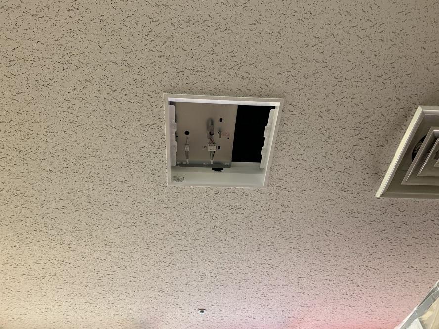 LED スクエア照明器具